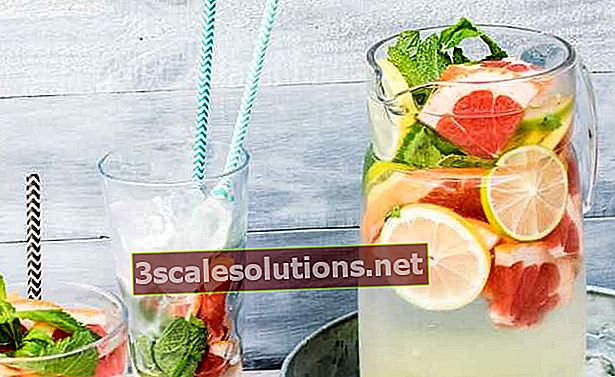Acqua aromatizzata: come fare, ricette e benefici